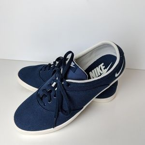 Nike blue canvas lace up sneaker shoes, size 8.